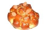 Ζυμαρούδι τυρί λουκάνικο